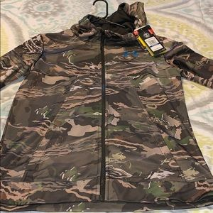 NWT Under Armour YXL (womans S) camo zip-up jacket